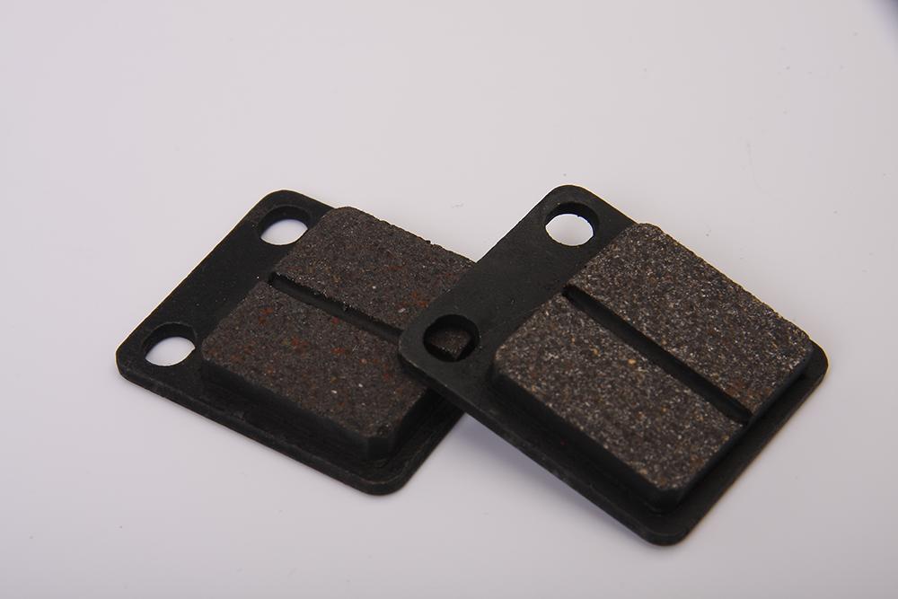 Série peças de motos: como funcionam as pastilhas de freio?